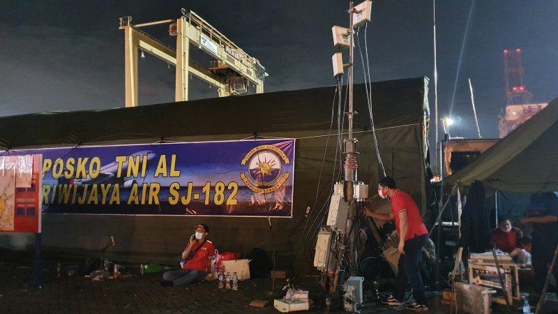 kelancaran komunikas evakuasi sriwijaya
