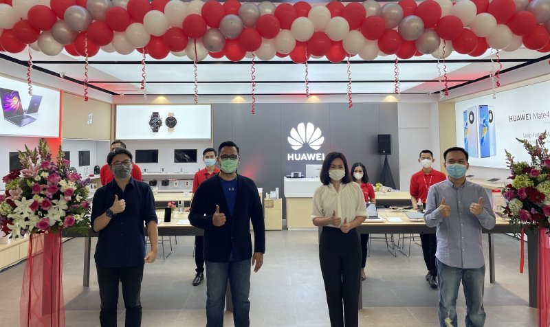 High-end Experience Stores  Huawei