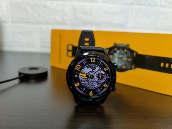 Realme Watch S Pro, Perbedaan Realme Watch S dan Watch S Pro